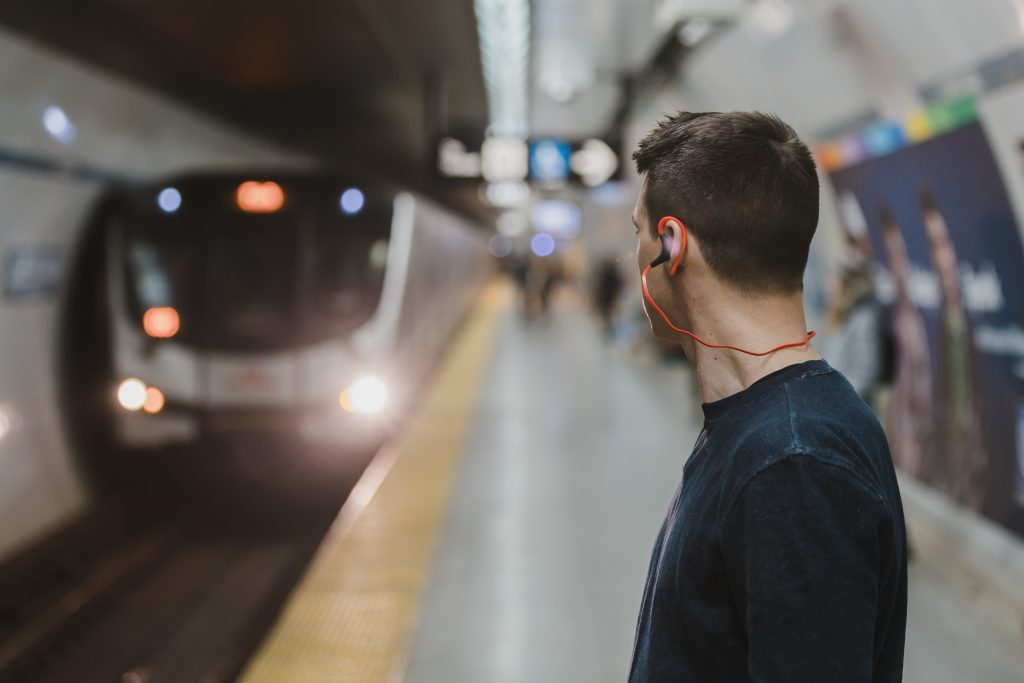 listen to podcast on your commute